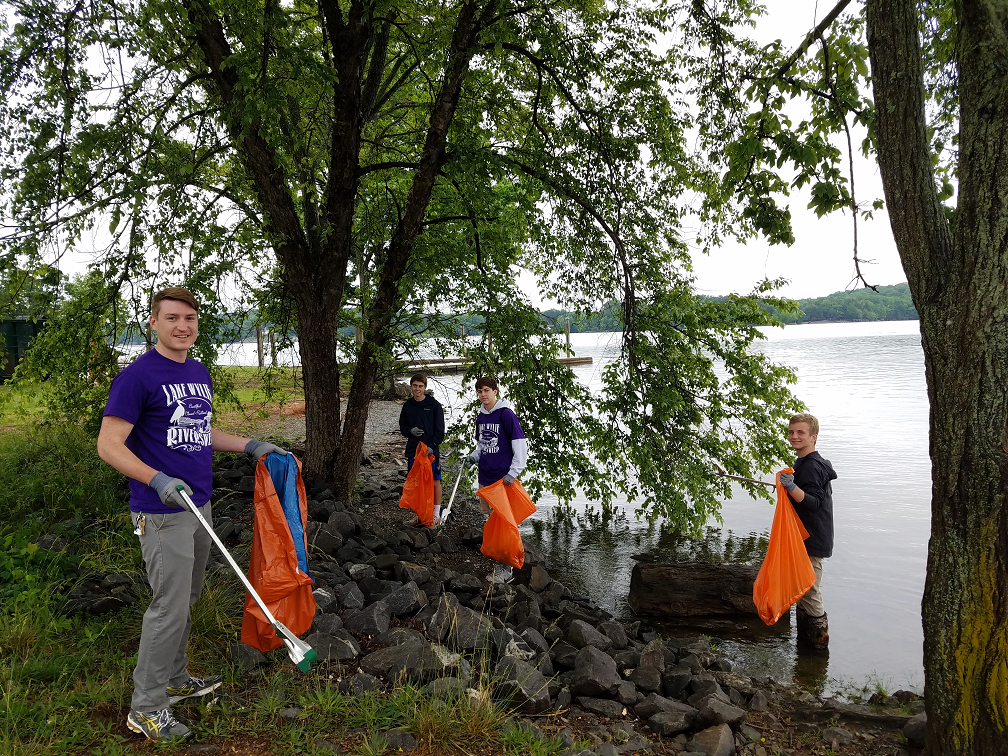 Lake Wylie Riversweep 2016 volunteers