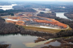 Riverbend coal ash cleanup on Mountain Island Lake